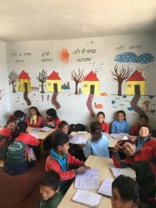 Nepalilaisia oppilaita